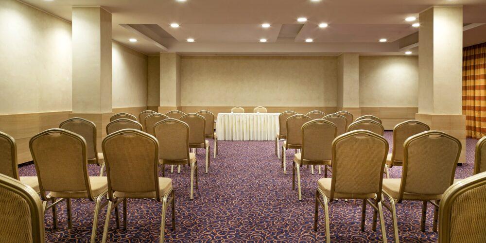 Brac meeting room - theatre setup